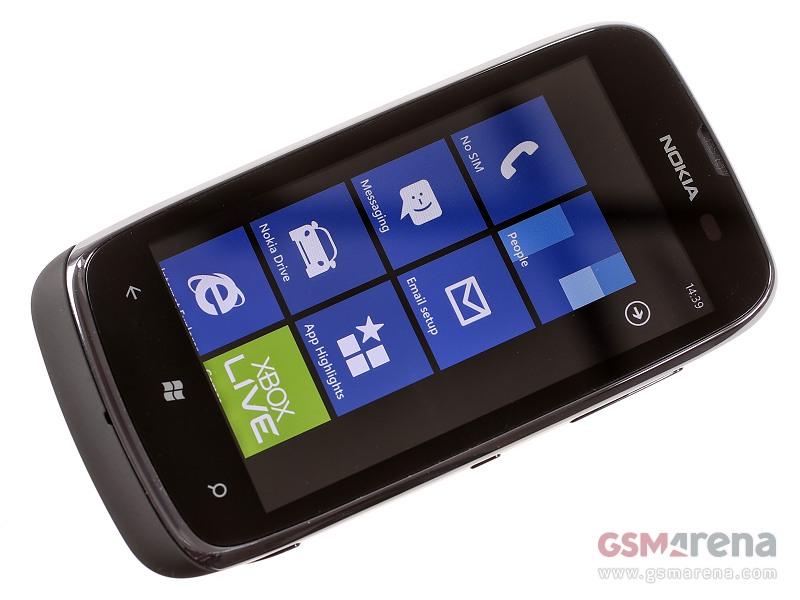 Nokia Lumia 610 1