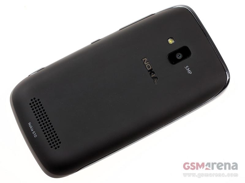 Nokia Lumia 610 11