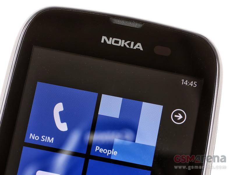 Nokia Lumia 610 3