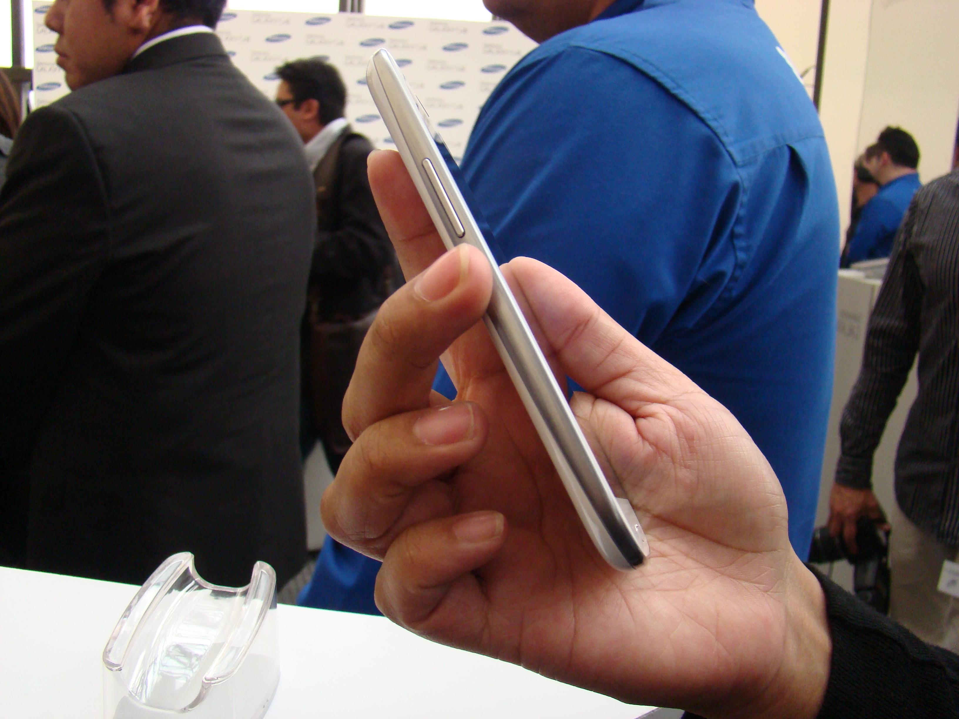 Samsung Galaxy S III  12