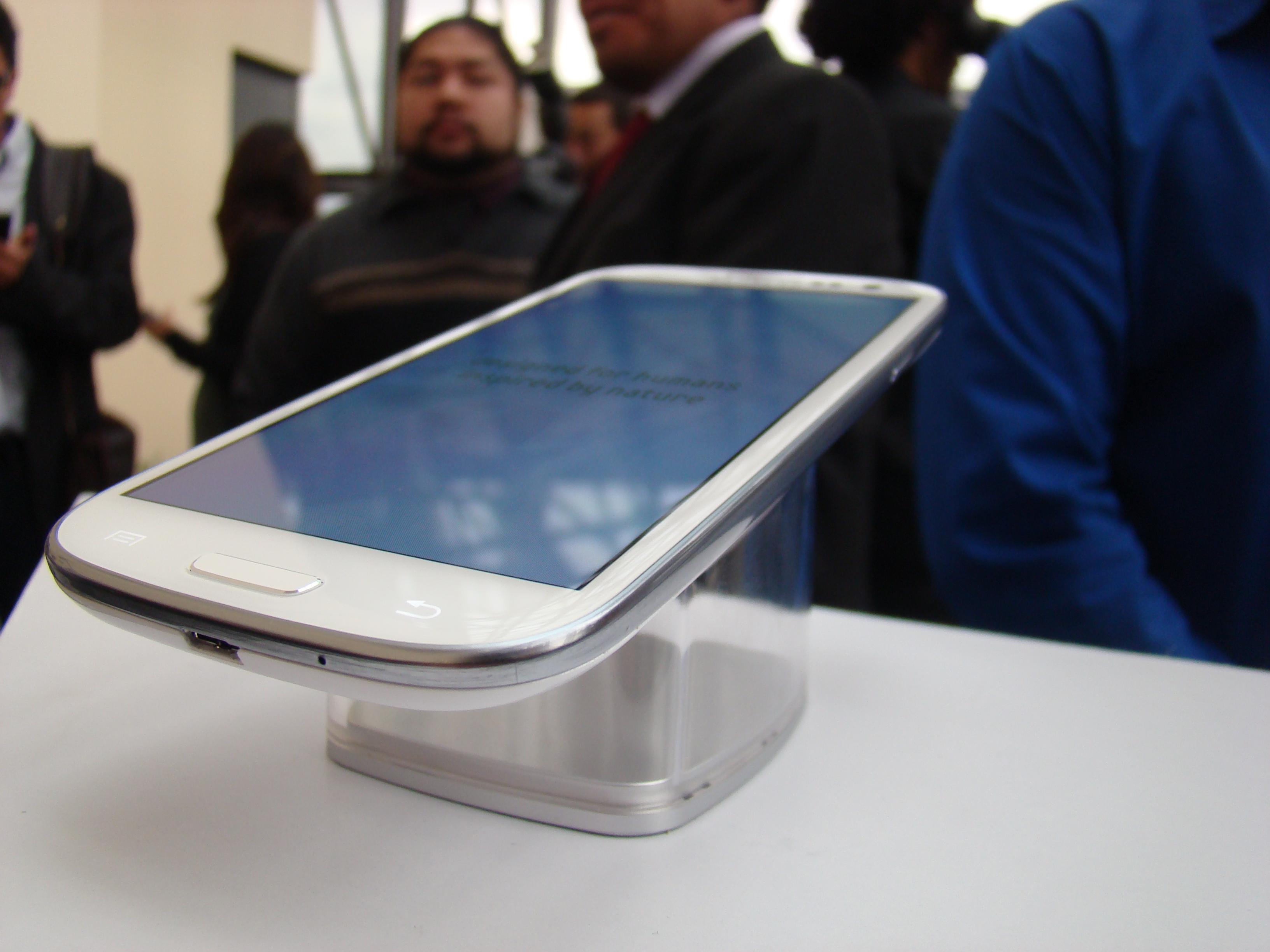 Samsung Galaxy S III  13