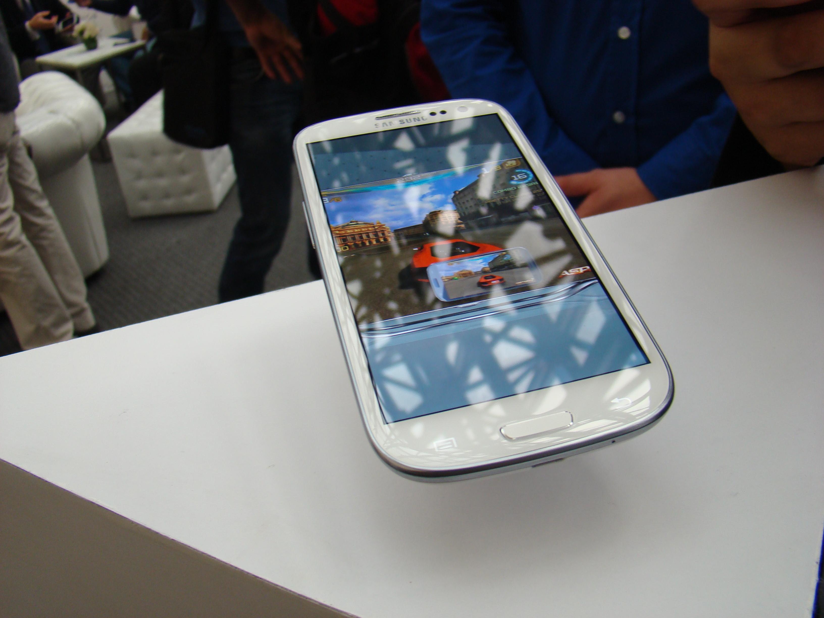 Samsung Galaxy S III  22