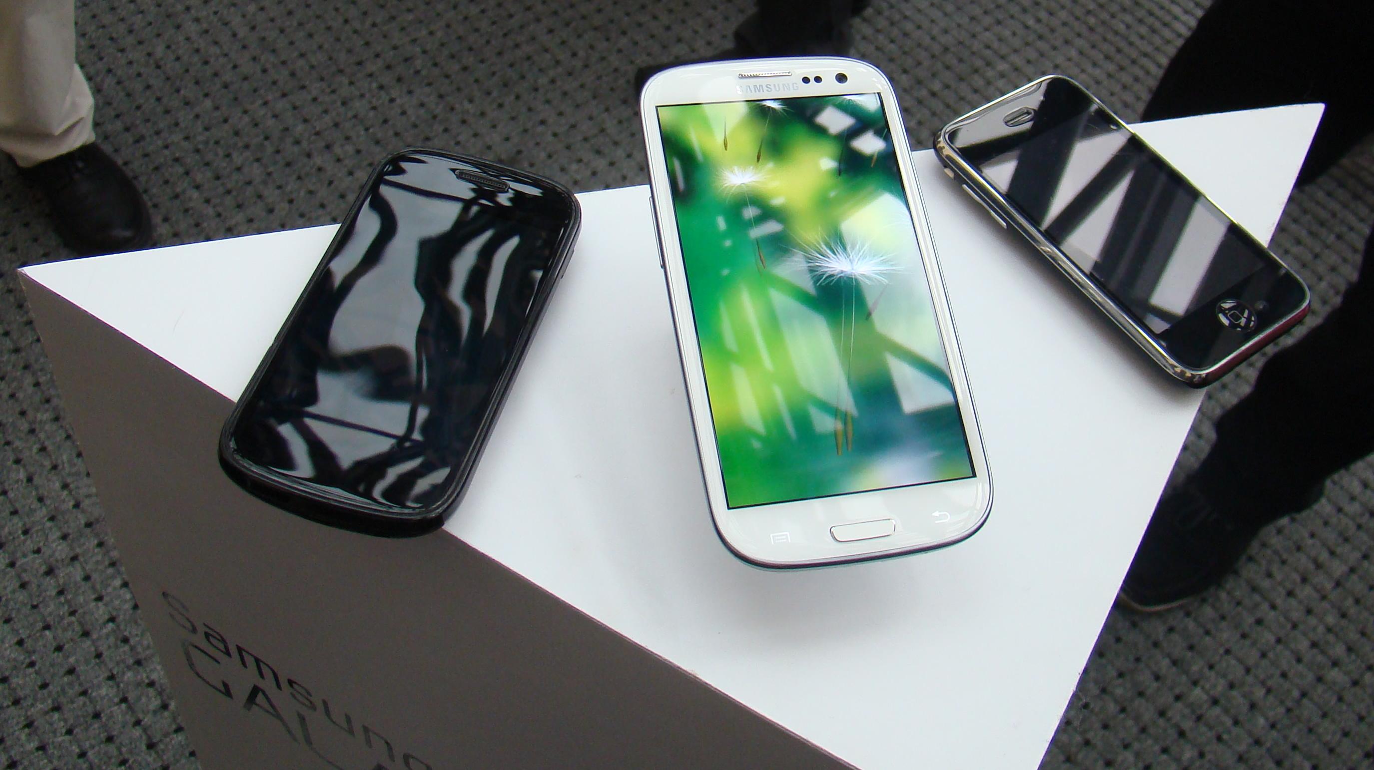 Samsung Galaxy S III  23