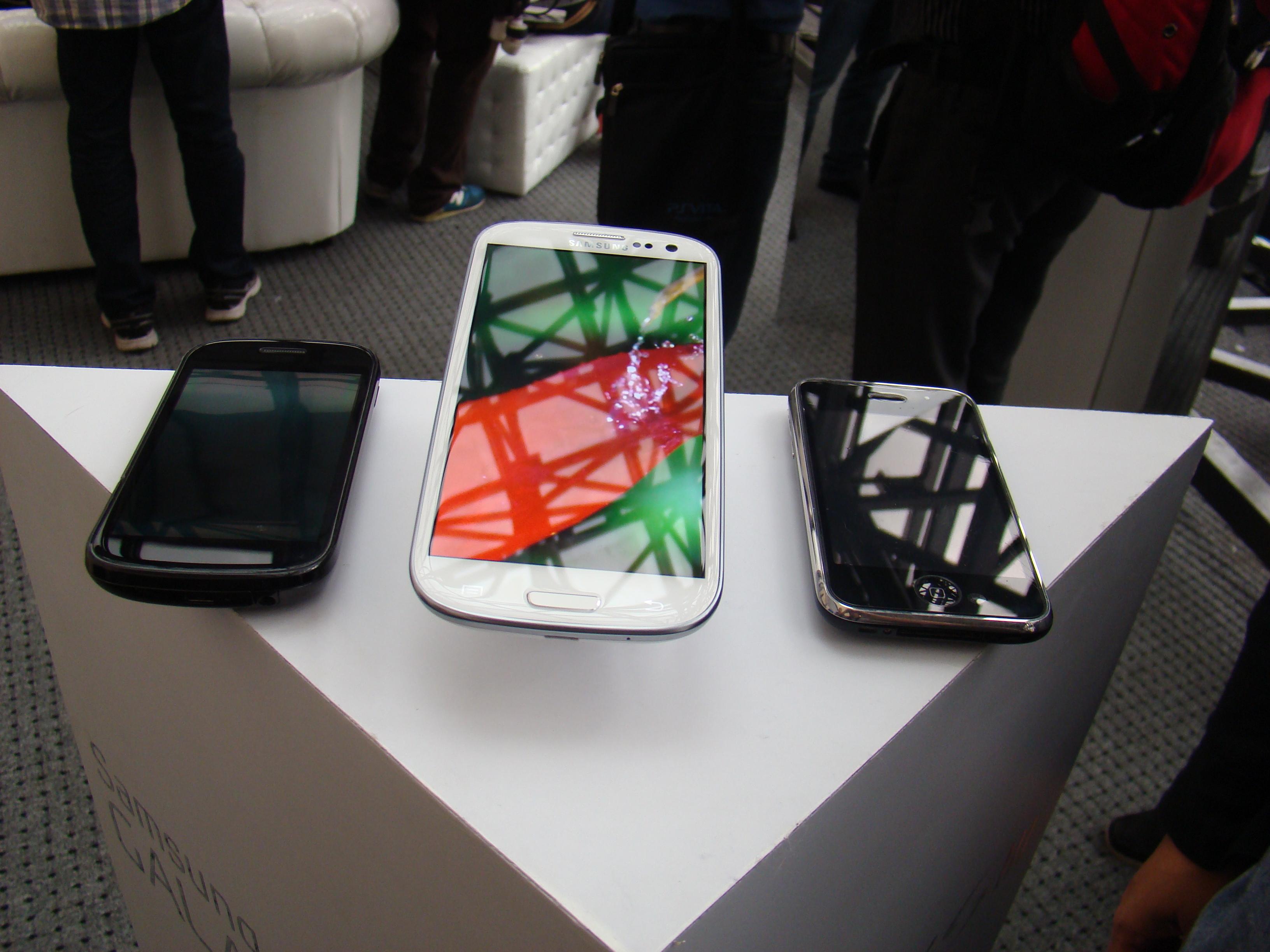 Samsung Galaxy S III  25