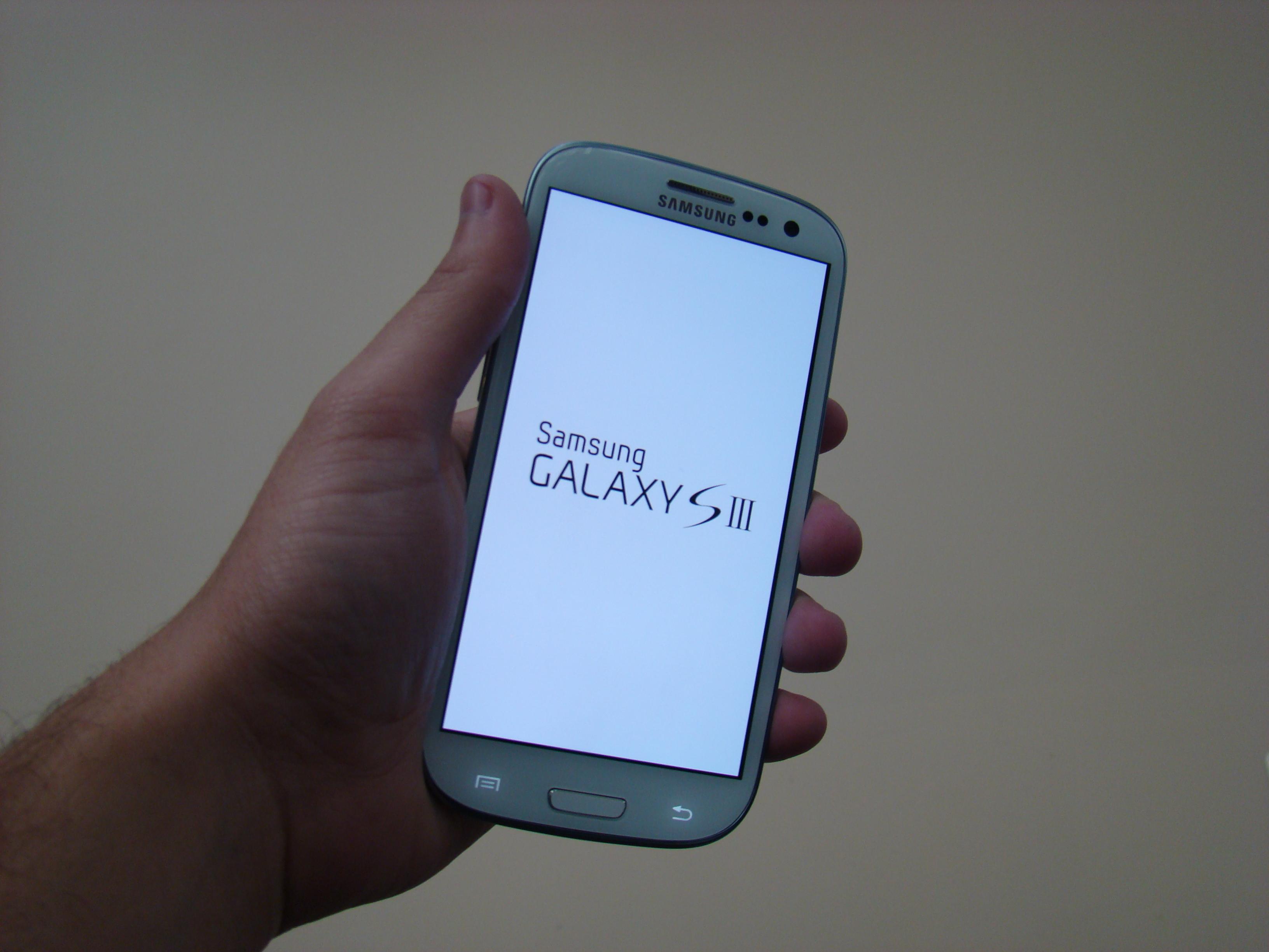 Samsung Galaxy S III  35