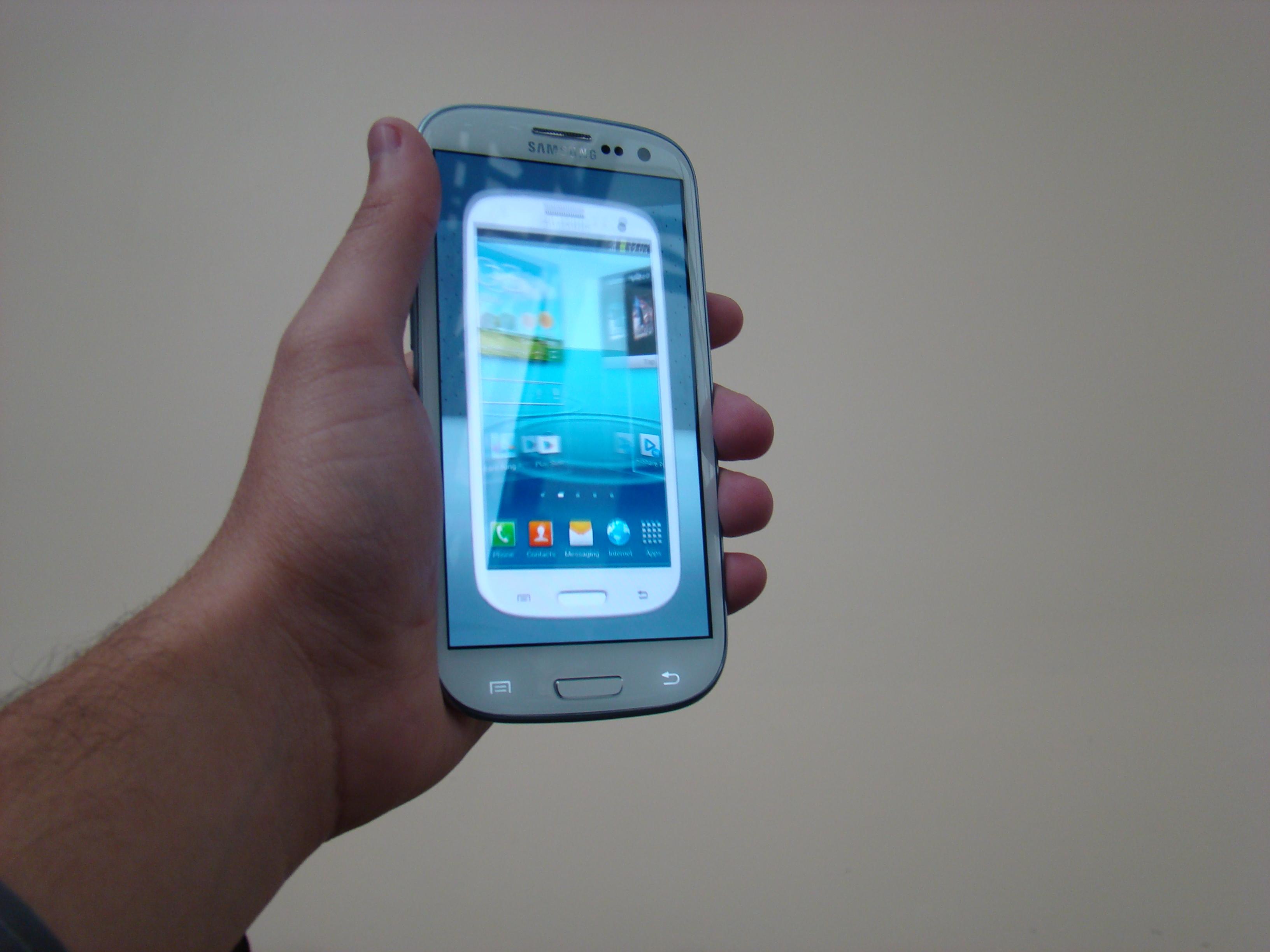 Samsung Galaxy S III  50