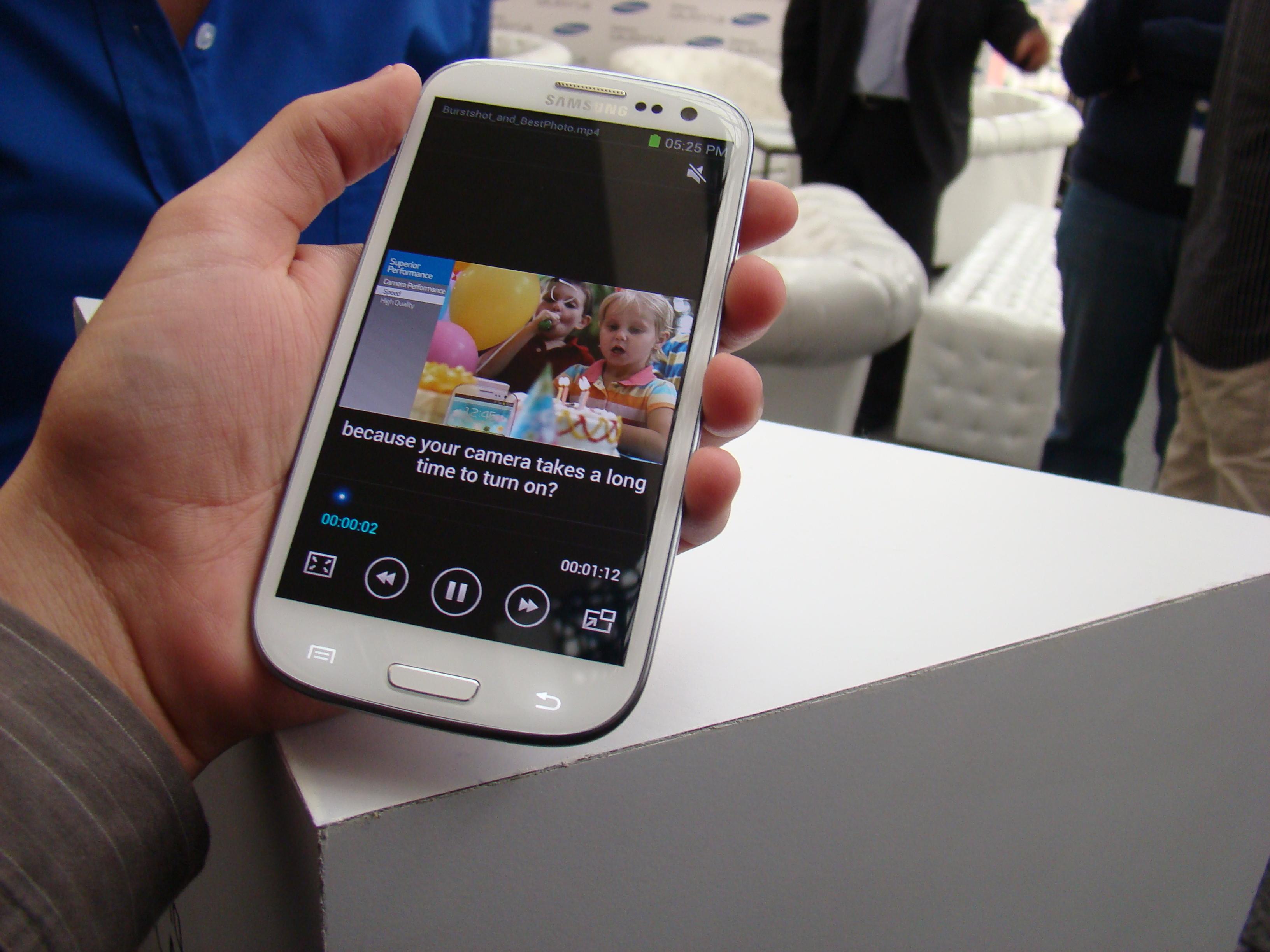 Samsung Galaxy S III  6
