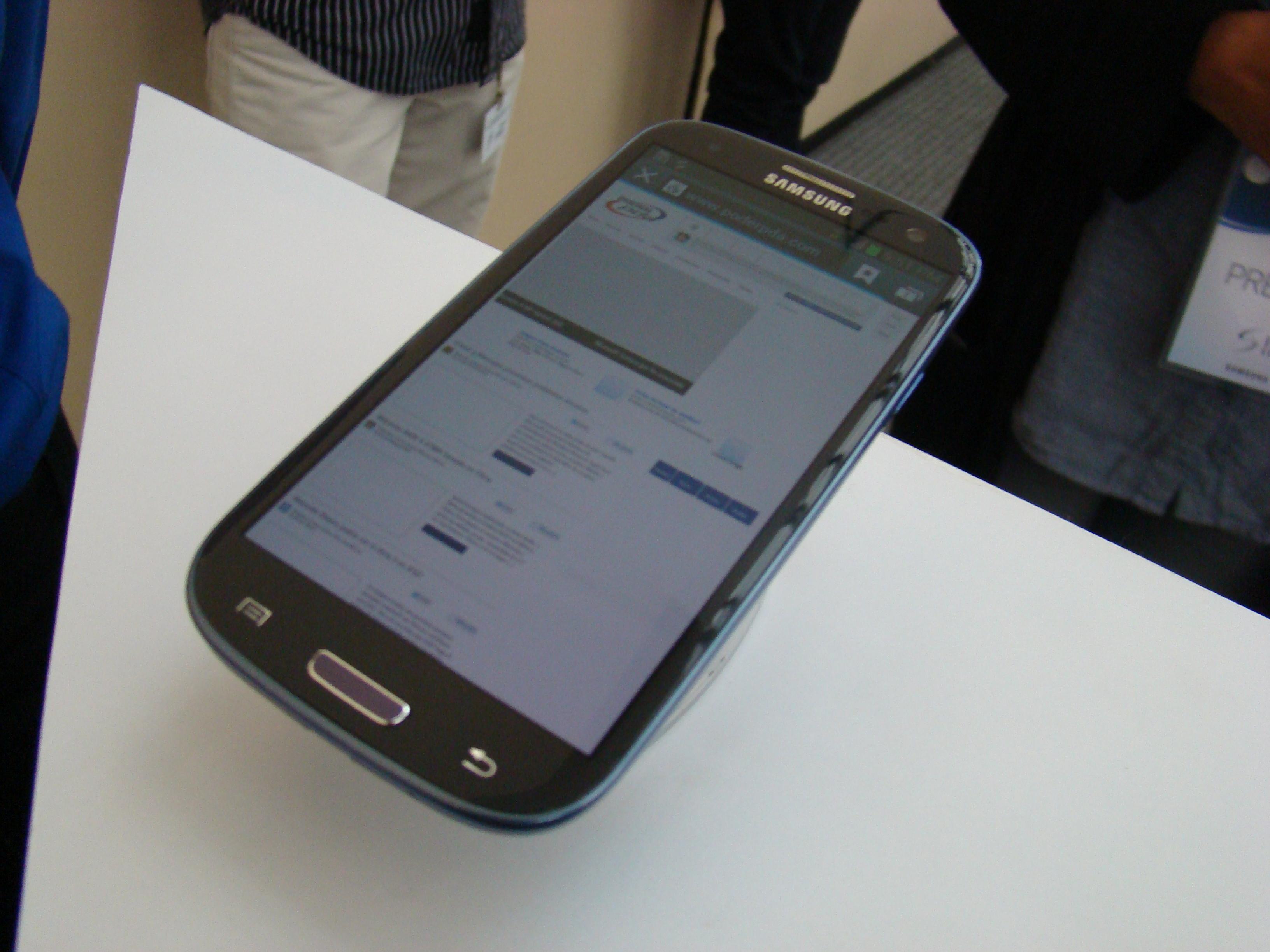 Samsung Galaxy S III  60