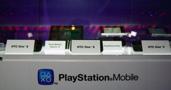 HTC One y PlayStation Mobile