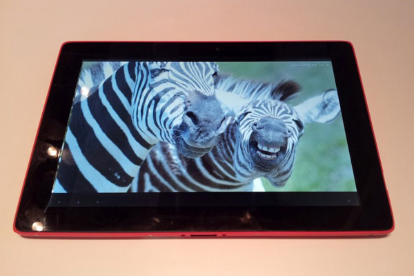 sharp-intel-medfield-tablet-800x534