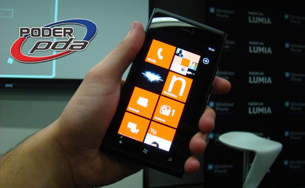 Nokia Lumia 900 main 2