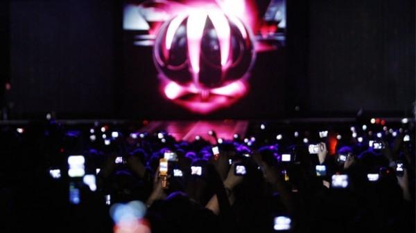 celulares-tecnologia-etiqueta-conciertos-smartphones-musica-madonna