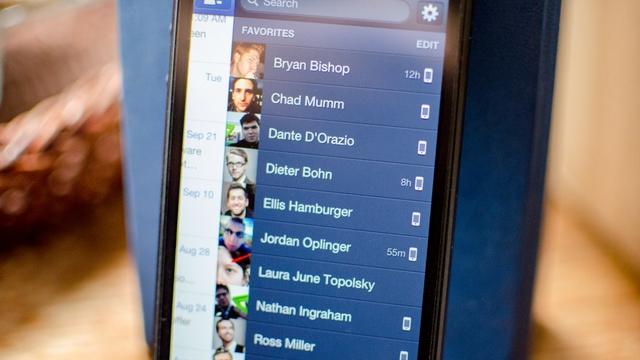 Facebook revamps Messenger iOS