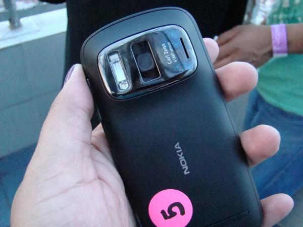 Nokia 808 PureView 31