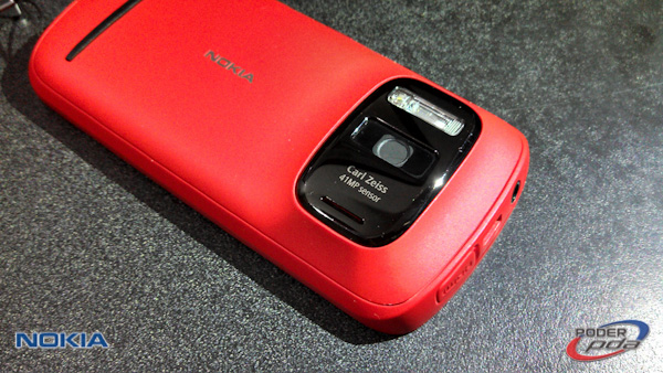 Nokia808_Pureview_Mexico-05