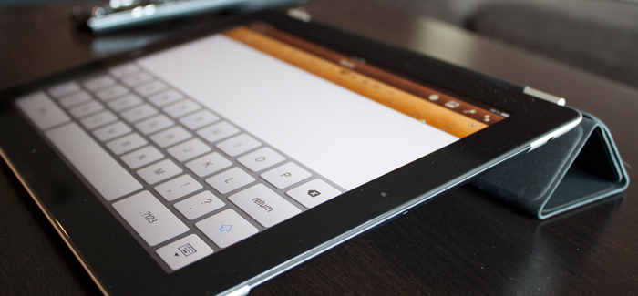 ipad2-smartcovertyping