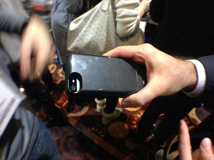 Funda con Batería para iPhone 5: MyCharge Freedom