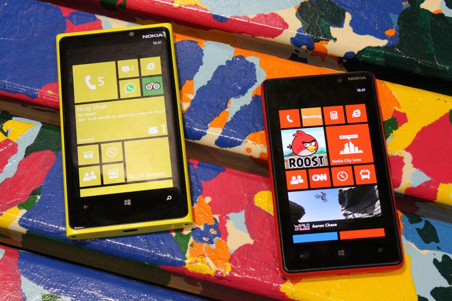 Nokia-Lumia-920-y-820-3