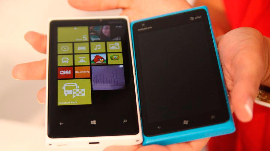 Nokia-Lumia-920-y-820-9