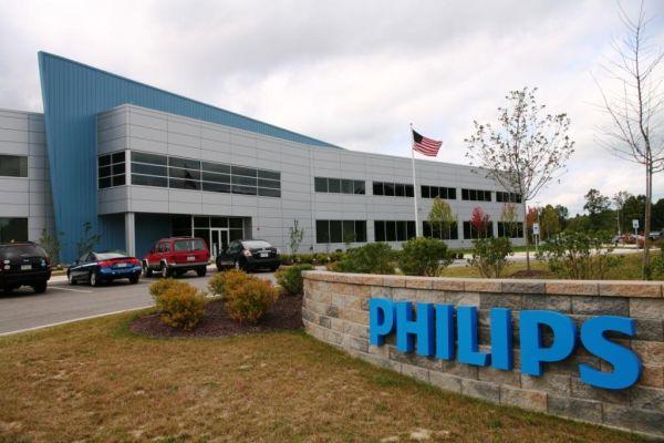 philips presenta su phablet dual sim el w8355 poderpda