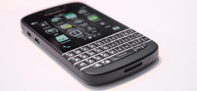blackberry-q10-hands-on-edit-14_verge_super_wide