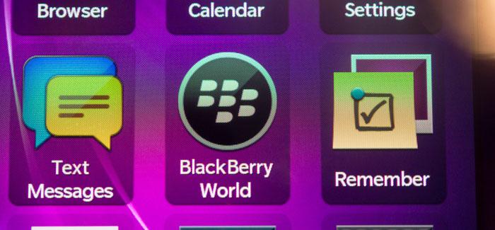 blackberry-q10-hands-on-edit-15_verge_super_wide