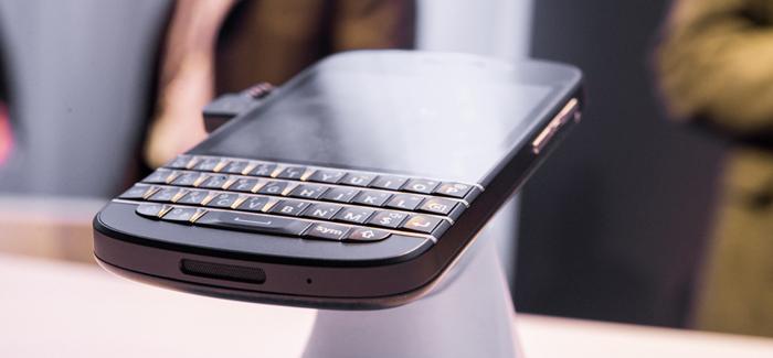 blackberry-q10-hands-on-edit-2_verge_super_wide
