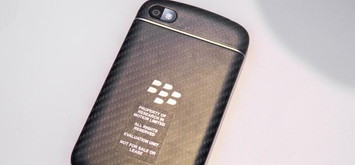 blackberry-q10-hands-on-edit-6_verge_super_wide