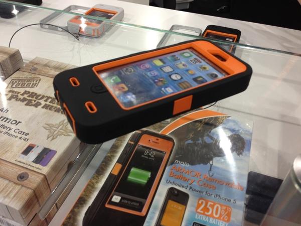 Funda con Batería para iPhone 5 iBattz Mojo Armor en el CES 2013