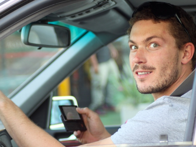 using-smartphone-when-driving