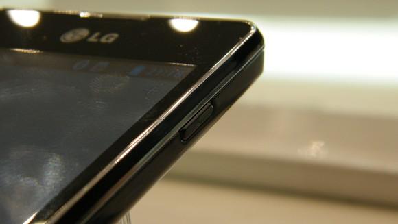 LG-Optimus-L5-II-4