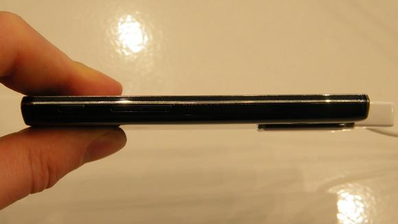 LG-Optimus-L5-II-8