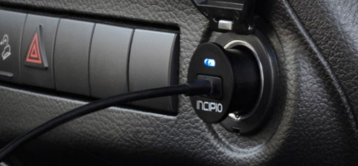 Mini auto charger Lightning Incipio_2