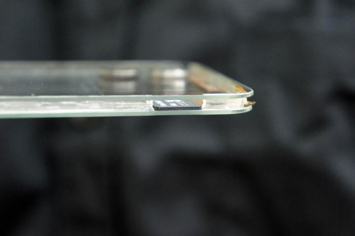 Polytron-Smartphone-Transparente
