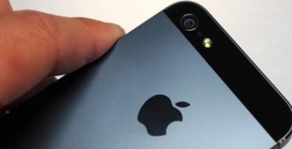 iPhone con carga solar_1