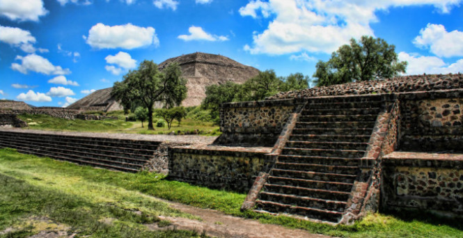 Teotihuacan_01_HDR_by_Runaque-e1364111764967-665x342