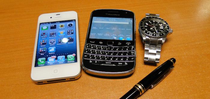 twosmartphones
