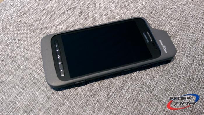 Galaxy Core Advance con la carcasa Ultrasonic Cover que extiende sus características de accesibilidad