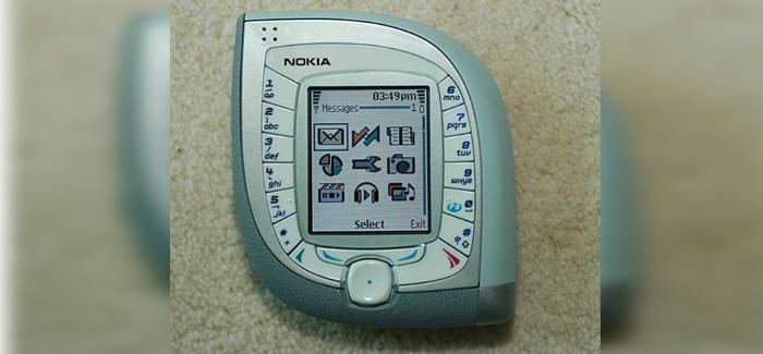 El Nokia® 7600 sobresale por su layout tipo hoja, que no es tan manejable.