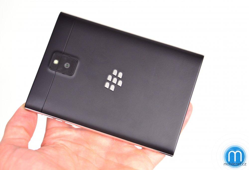 BlackBerry-Passport-pre-release-review-10