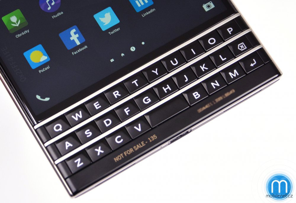 BlackBerry-Passport-pre-release-review-3