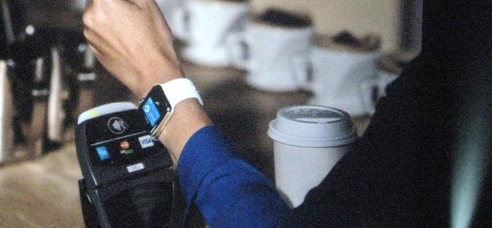 Pagando un café con el Apple Watch
