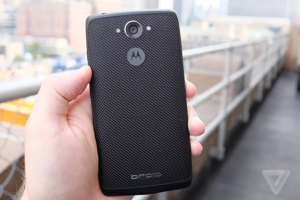 Motorola-Droid-Turbo(4)