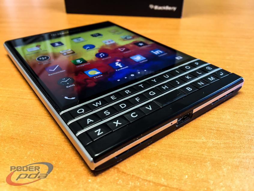 BlackBerry-Passport-Poder-PDA(16)