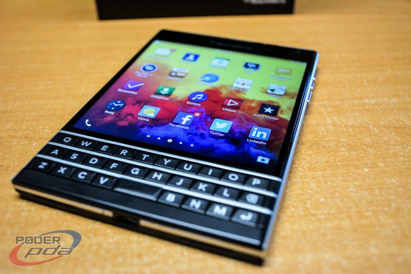 BlackBerry-Passport-Poder-PDA(5)