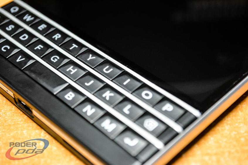 BlackBerry-Passport-Poder-PDA(7)