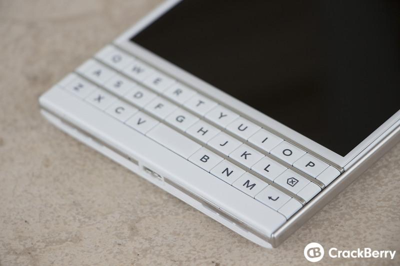 BlackBerryPassportblanco7