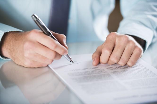 Las compañías de telecomnicaciones deberán revisar sus contratos.