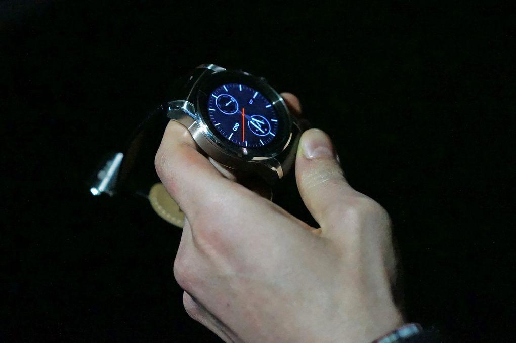 Audi Watch CES2015-5