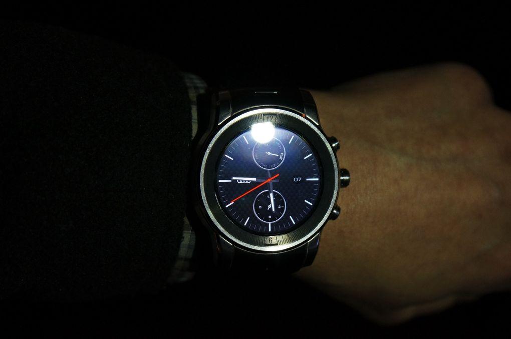 Audi Watch CES2015-9
